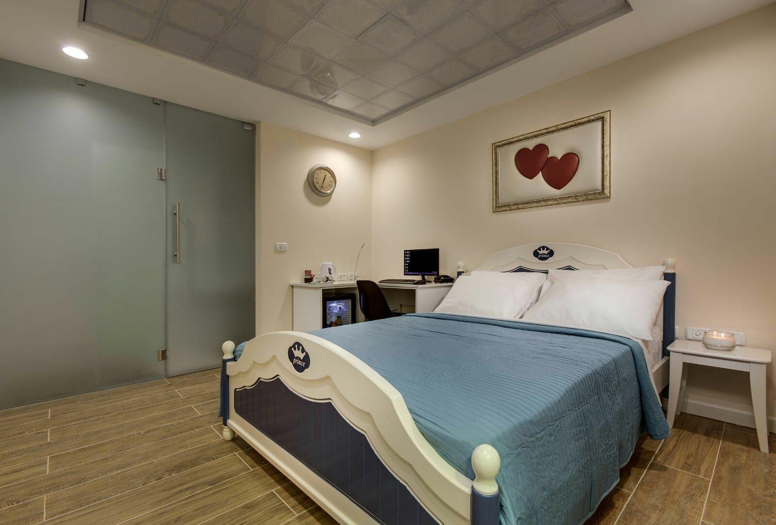 מלון טוקן TOUCAN
