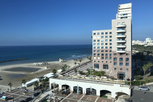 רומנטיקה מול הים בחיפה