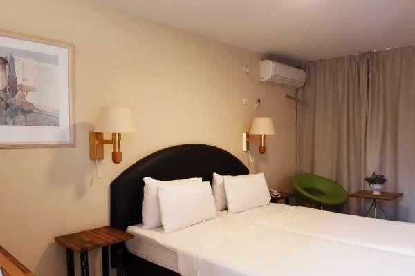 מלון Q ויליג'